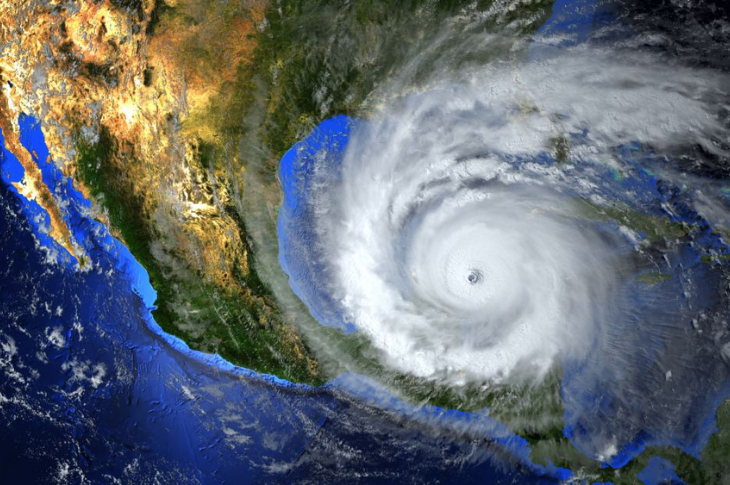 Cómo reacciona el 911 ante desastres naturales en México