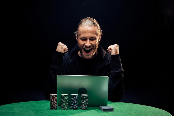 5 trucos para vencer a la casa en el blackjack online