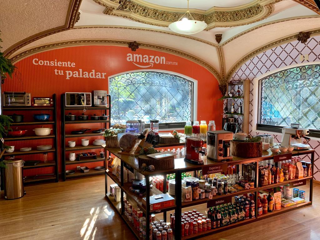 Amazon Holiday House