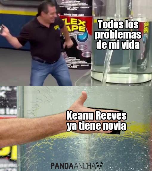 ¡Keanu Reeves tiene novia!