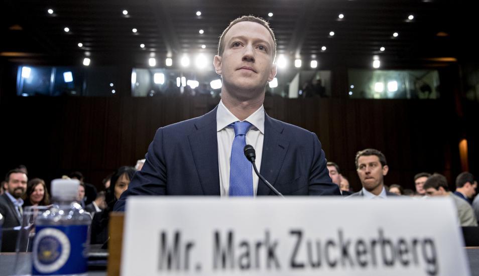 Mark Zuckerberg en el Senado de E.U.A.