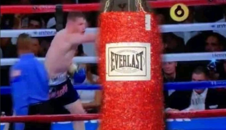 Memes de la pelea del Canelo vs Fielding