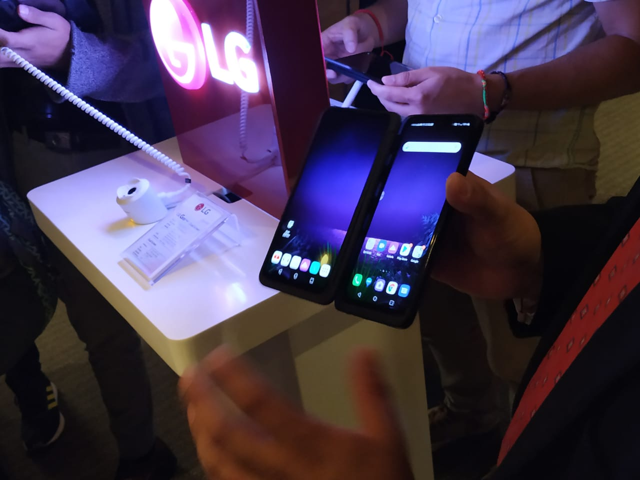 LG G8X y su doble (triple) pantalla ya disponible en México