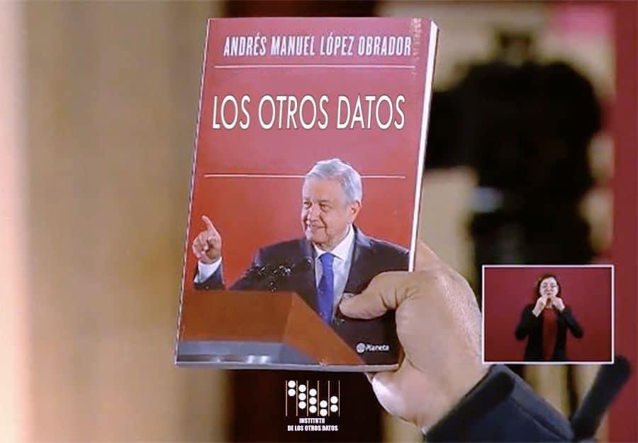 Memes del libro de AMLO