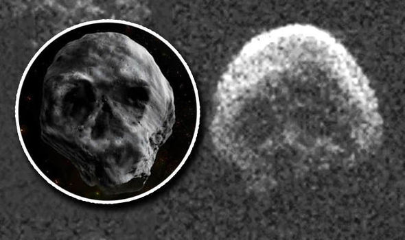 Asteroide 2015 TB14 con forma de calavera