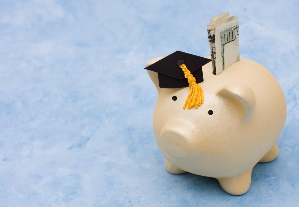 UTEL: becas para licenciaturas, maestrías y más