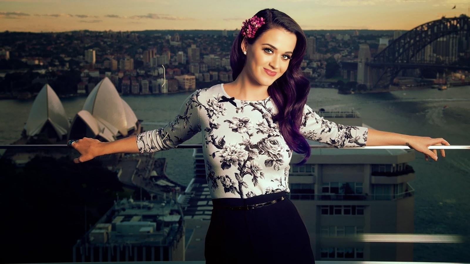 Katy Perry ayuda tras sismo CDMX