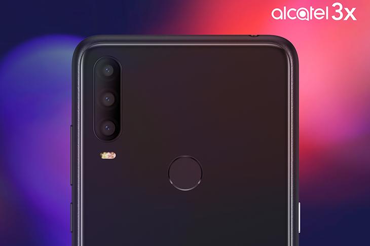 Alcatel 3X coon triple cámara trasera
