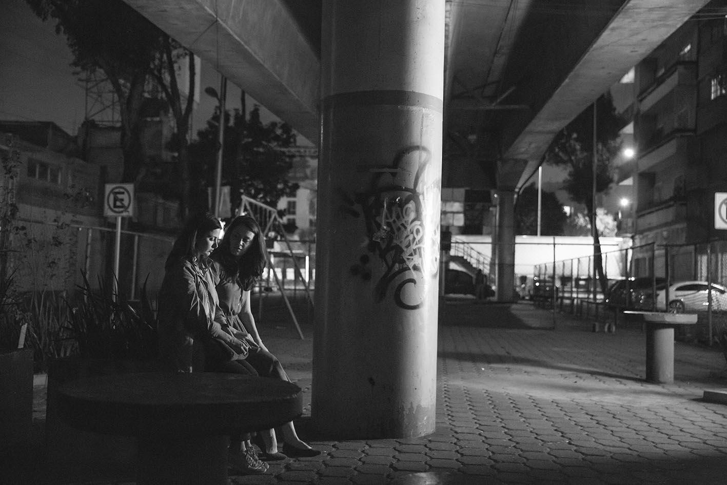 Viñetas de las colonias Centro, Portales, Sinatel y barrios de la Ciudad de México donde el director y el fotógrafo han vivido.