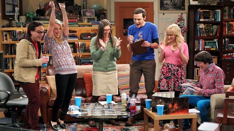 Leonard, Penny, Amy, Sheldon, Bernadette y Howard de The Big Bang Theory