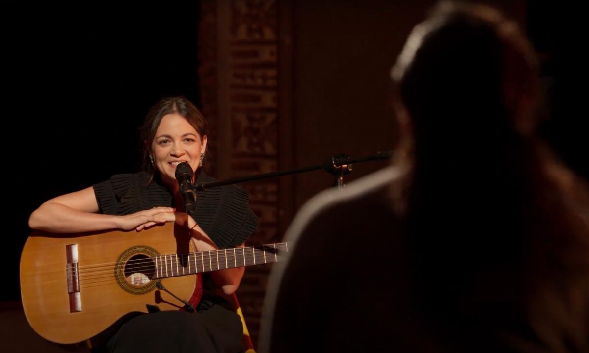 Natalia Lafourcade concierto streaming Codo a Codo por Mercado Libre