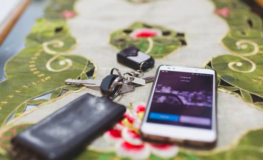 Uber comparte cuáles son los objetos más olvidados durante sus viajes