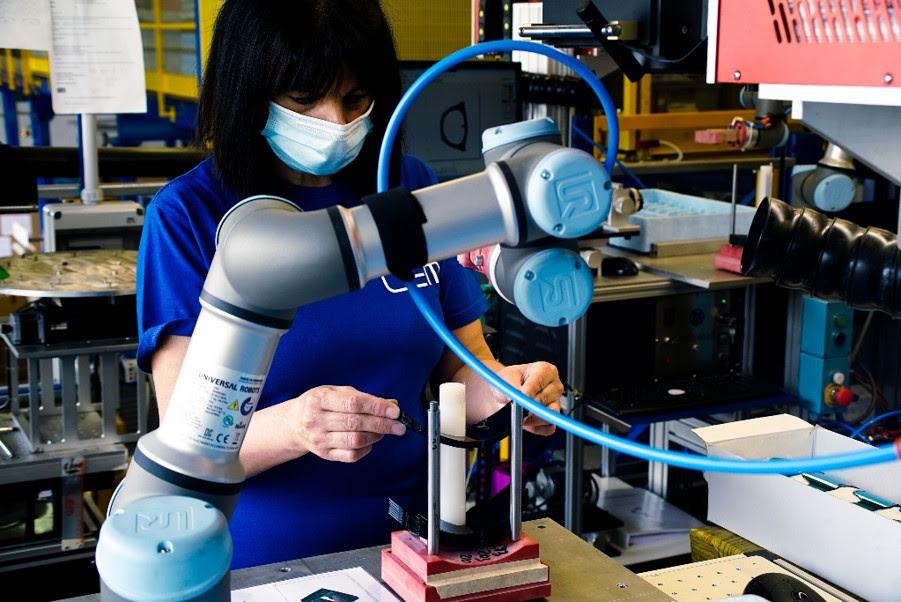 COBOTS: qué son los robots colaborativos | PandaAncha.mx