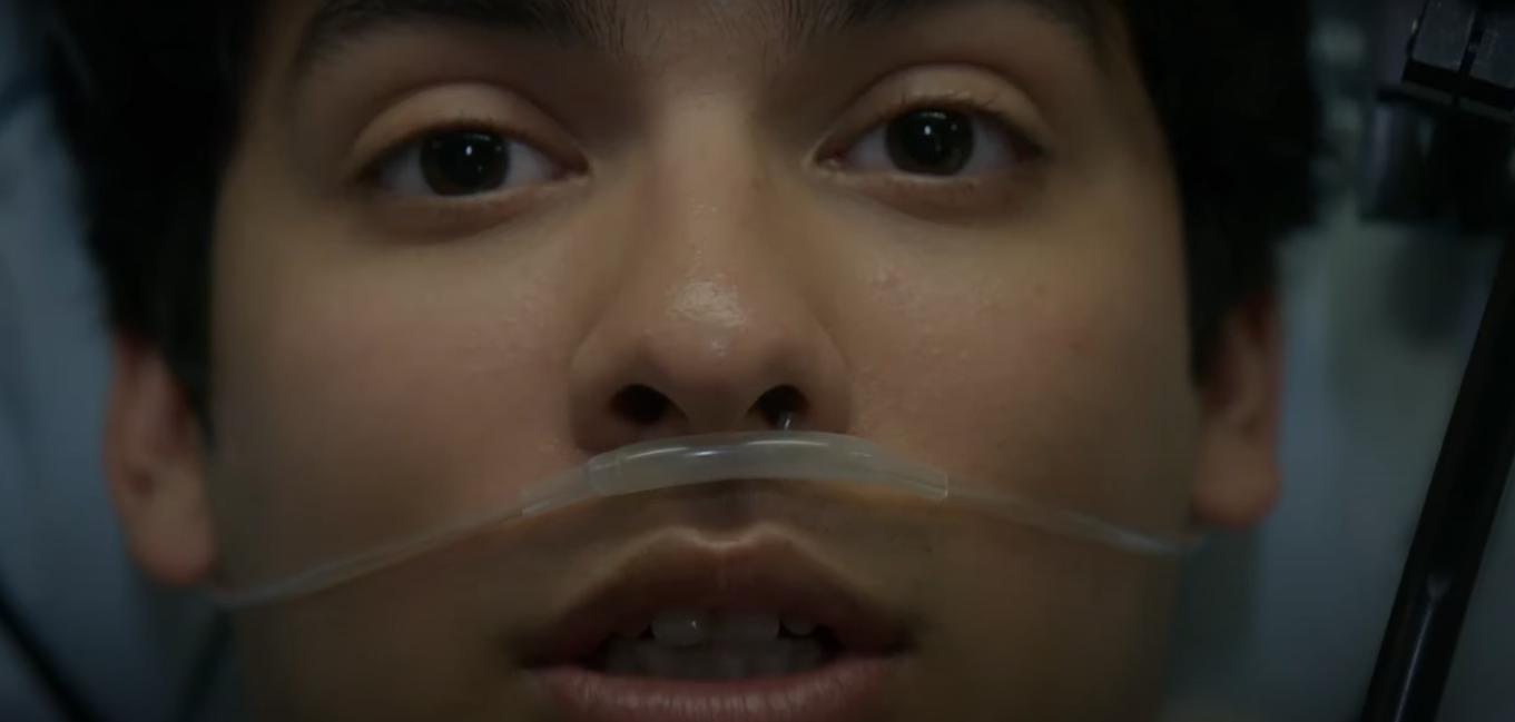 Miguel despierta para la termporada 3 de Cobra Kai en una situación endeble.