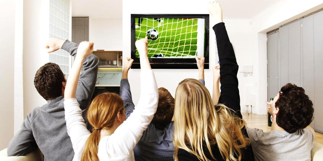 LAs pantallas no faltaron para no perdernos nin un partido