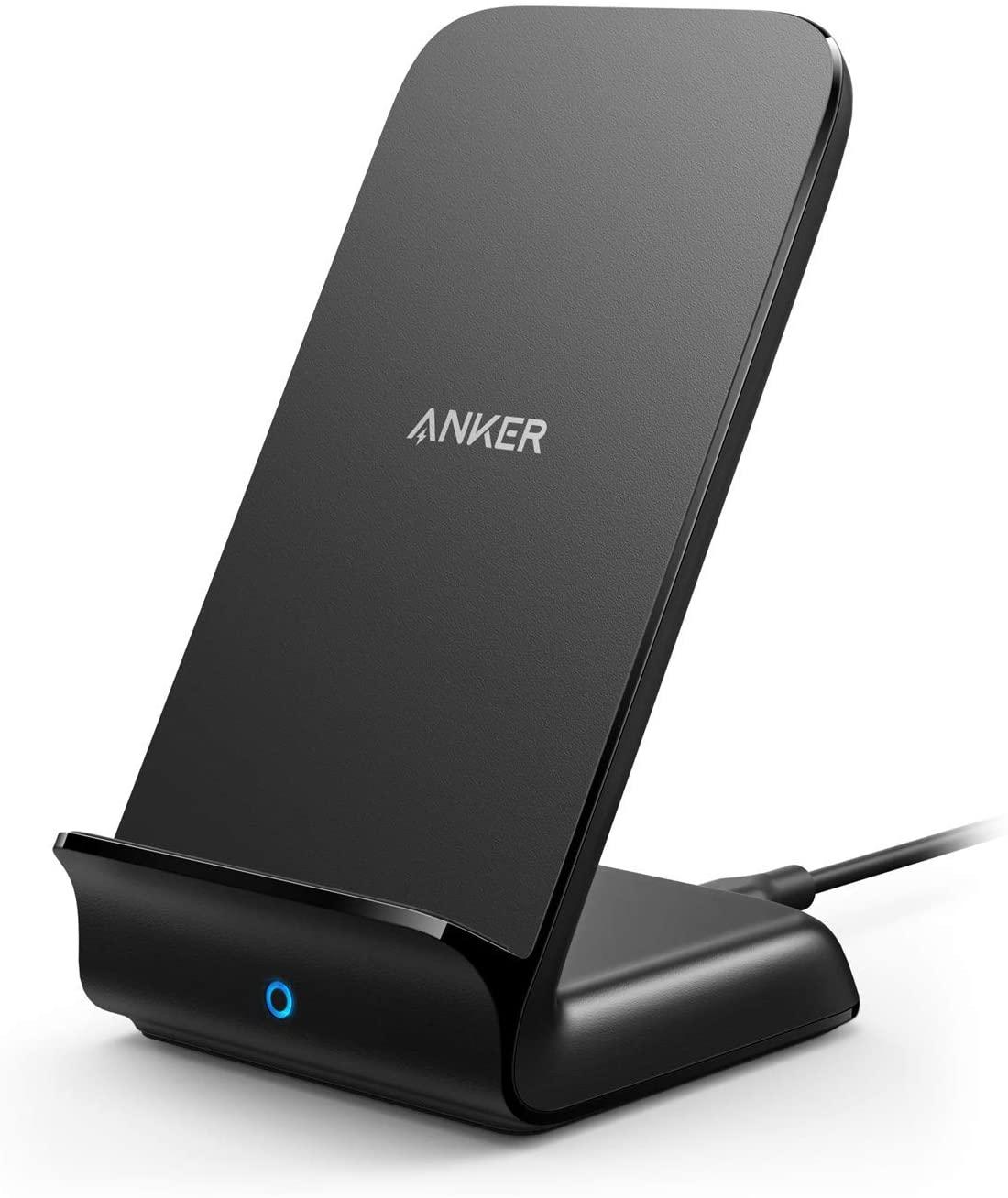 Cargador y soporte Anker para teléfonos inteligentes.