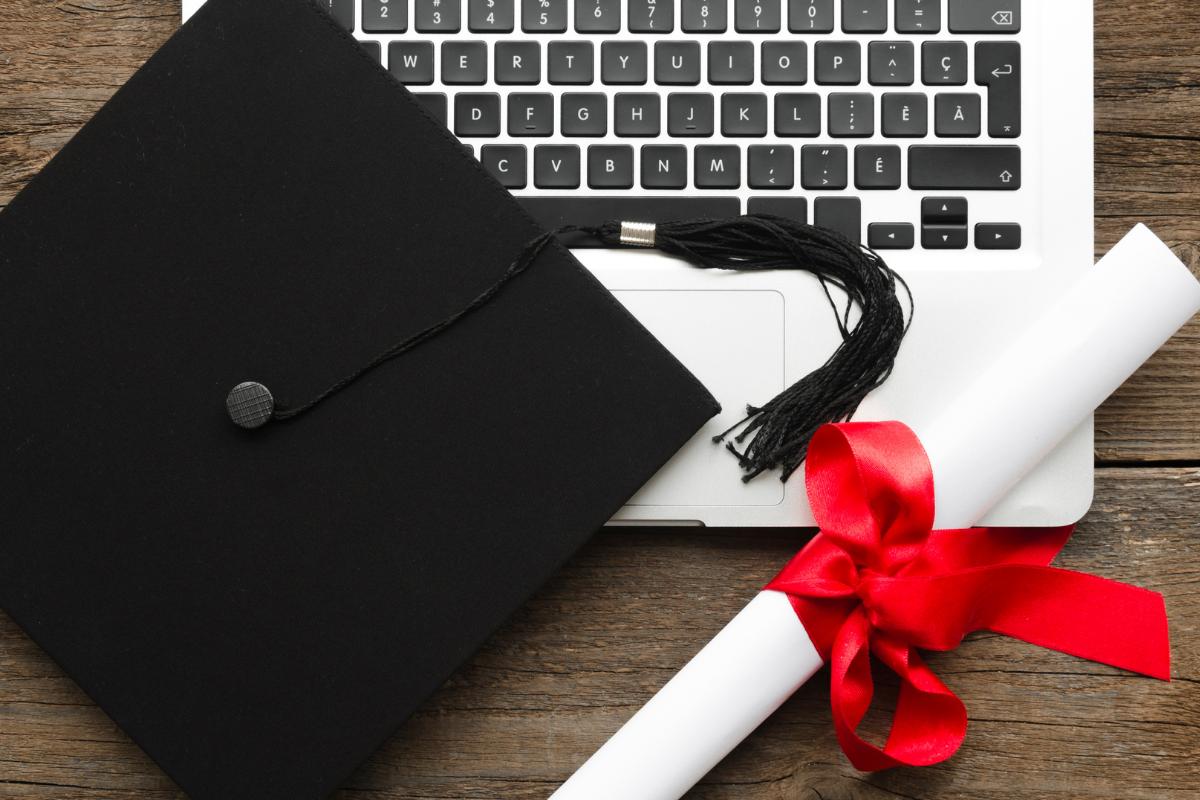 ¿Qué becas ofrece tu universidad en línea?