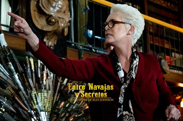 Jamie Lee Curtis como Linda en Entre Navajas y Secretos
