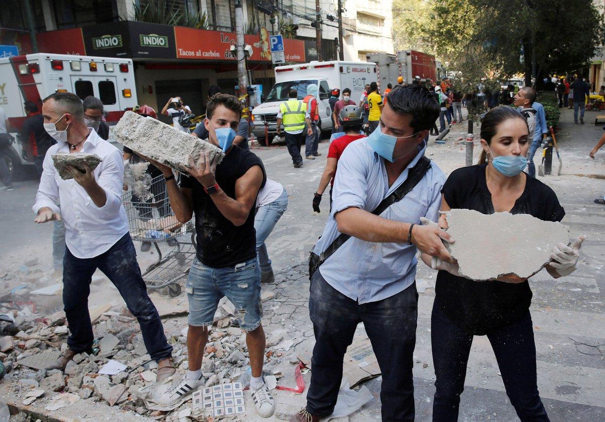 Cadena humana condesa sismo 2017