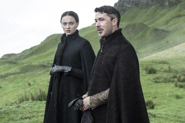 Little Finger y Sansa Stark en Game of Thrones
