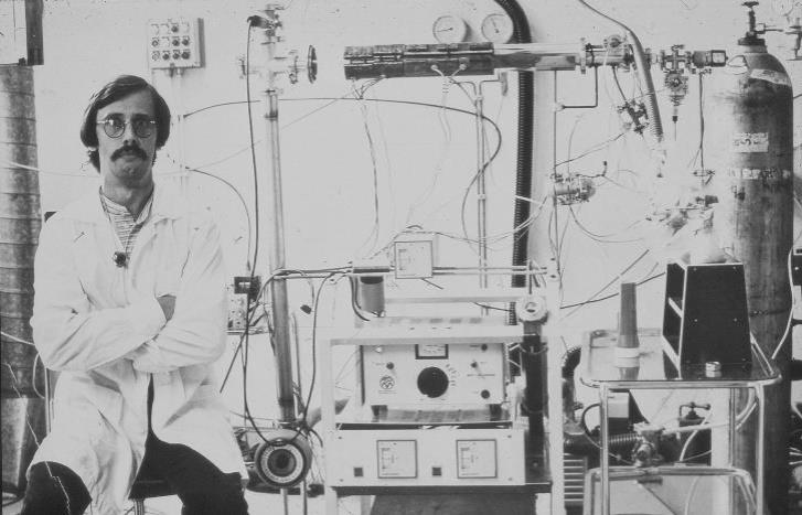 Tuomo Suntola durante el desarrollo del ALD