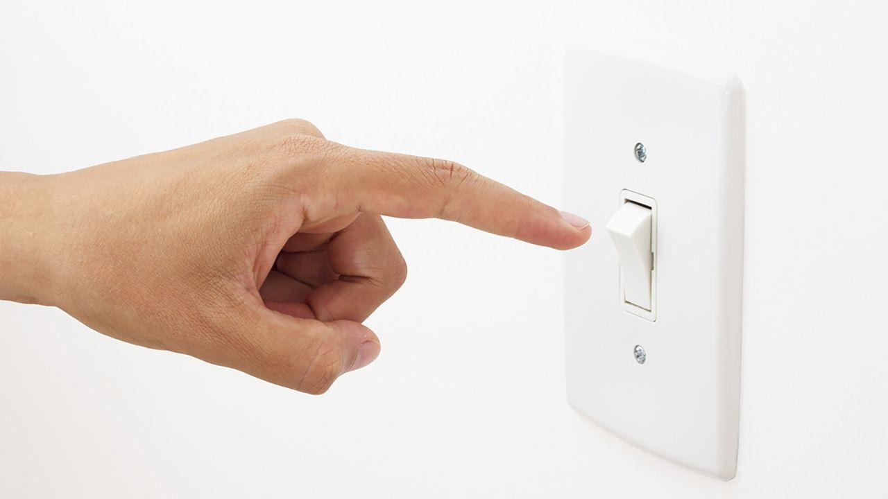 Los tres interruptores y contactos más seguros y duraderos