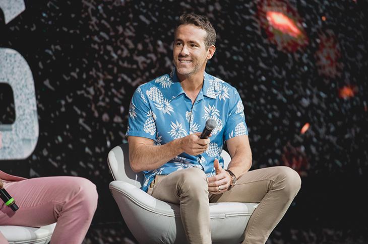 Ryan Reinolds en la Comic Con Brasil 2019 promocionando Escuadrón 6 de Netflix
