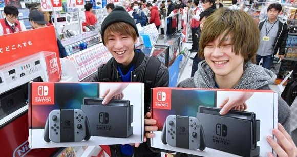 Nintendo Switch supera ventas de PS4 en Japón (INFOGRAFÍA)