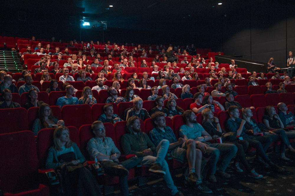 ¿Por qué conviene comprar boletos de cine en línea?
