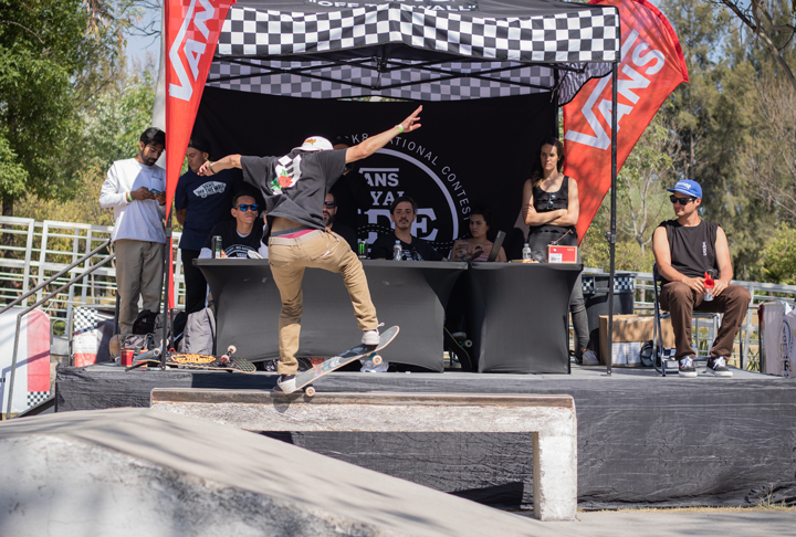 Ven a la final del Vans Royal Side Stripe 2019