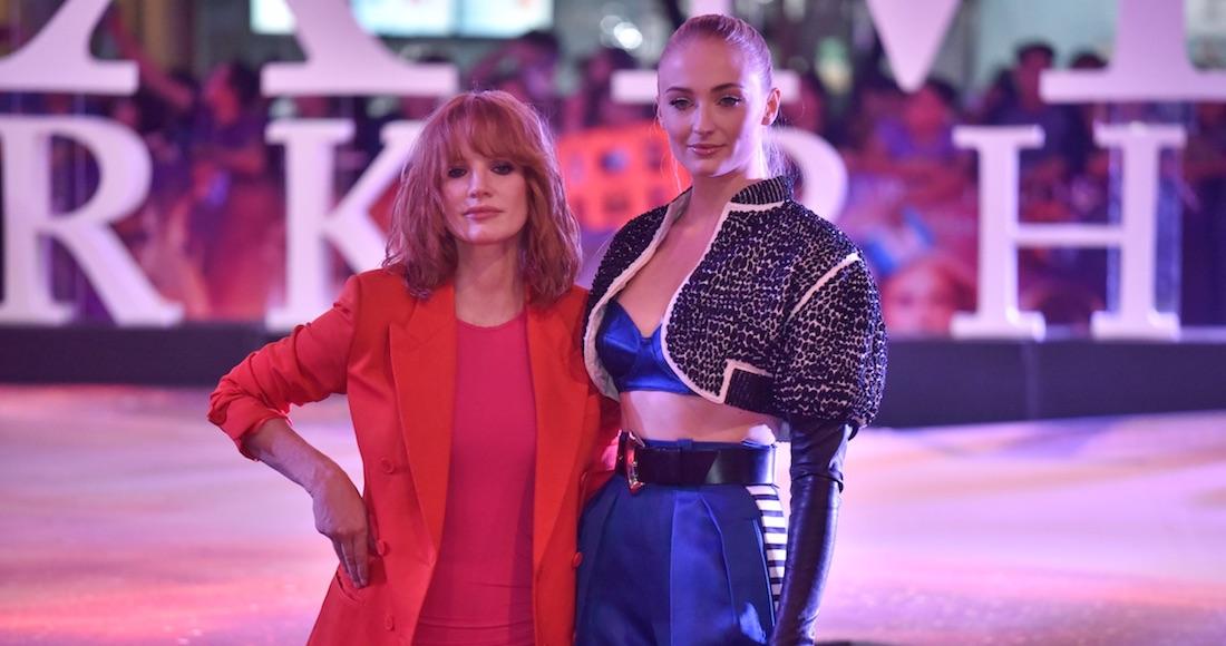 Jessica Chastain (derecha) y Sophie Turner (izquierda) en México